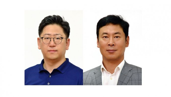 송현철(왼쪽) KIST 전자재료연구단 선임연구원과 김종윤 전자재료연구단장 연구팀이 정전기를 이용해 실제 전자기기에 사용할 수 있는 전기를 생산하는 스펀지 형태의 고내구성∙고출력 나노발전기를 개발했다. KIST 제공