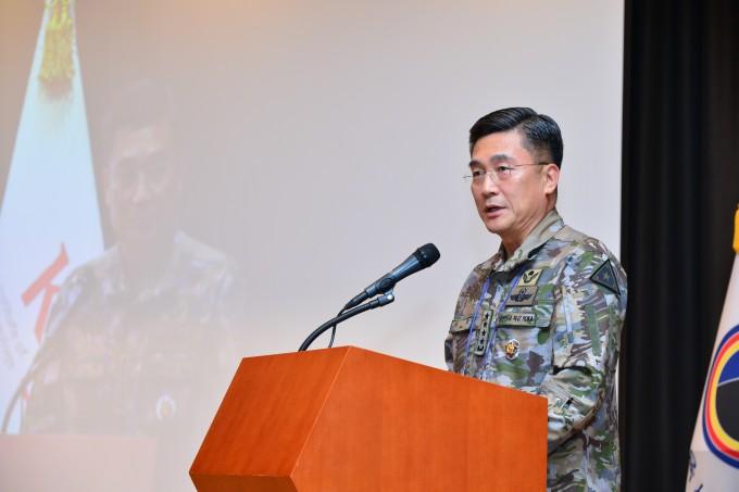 서욱 육군참모총장은 환영사에서 ″과학은 불확실한 미래 밝히는 등불″이라며 ″과학기술 개발을 위해 민과 군, 산학연의 유기적 협력이 이뤄지고 있다″고 말했다. 한국과학기술연구원 제공