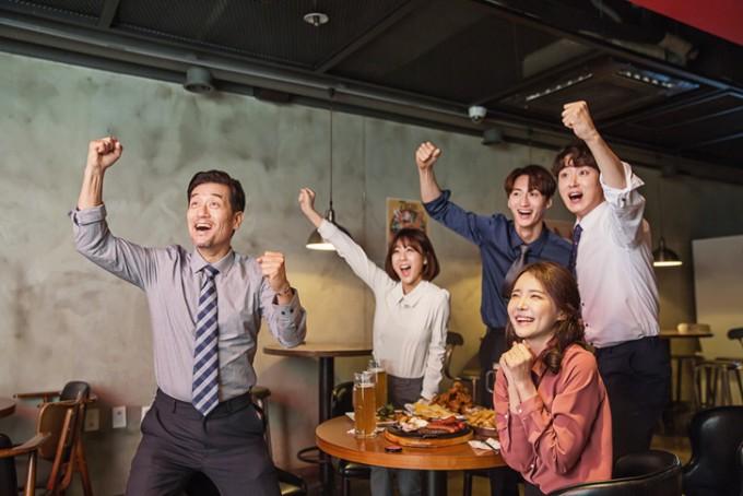 국내 연구팀이 자체 개발한 ′주관적 웰빙지수′ 연구 결과에 따르면 한국인은 환경과 소득에 불만이 가장 큰 반면, 가족과 건강에는 만족하는 것으로 나타났다. 게티이미지뱅크 제공