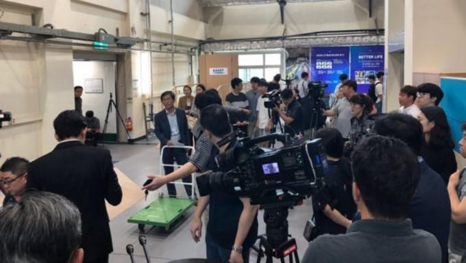 20일 대전 KAIST 기계공학동에서는 2020년 사이배슬론 참가를 위한 웨어러블 로봇 시연 행사가 열렸다. 대전=김민수기자