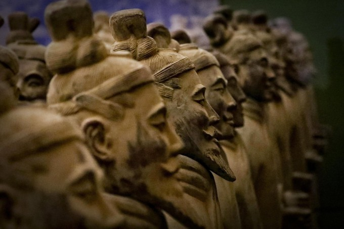 중국을 최초로 통일한 진 시황제(BC259~210)는 지역마다 제각각인 도량형 통일에도 힘썼다. 사진은 중국 산시성에서 발굴된 진사황의 병사와 말. AP/연합뉴스