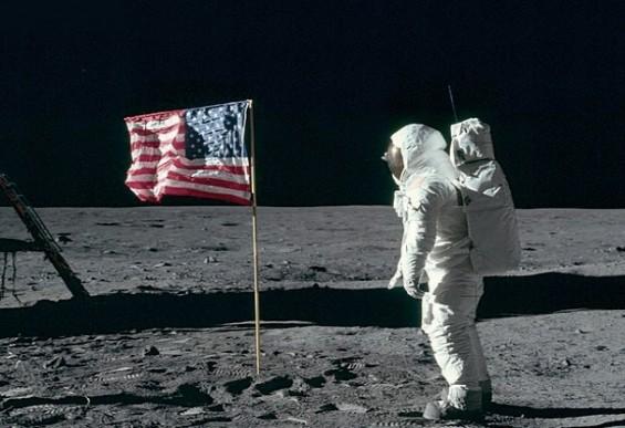 아폴로 11호의 달 착륙을 안 믿는 사람들에게