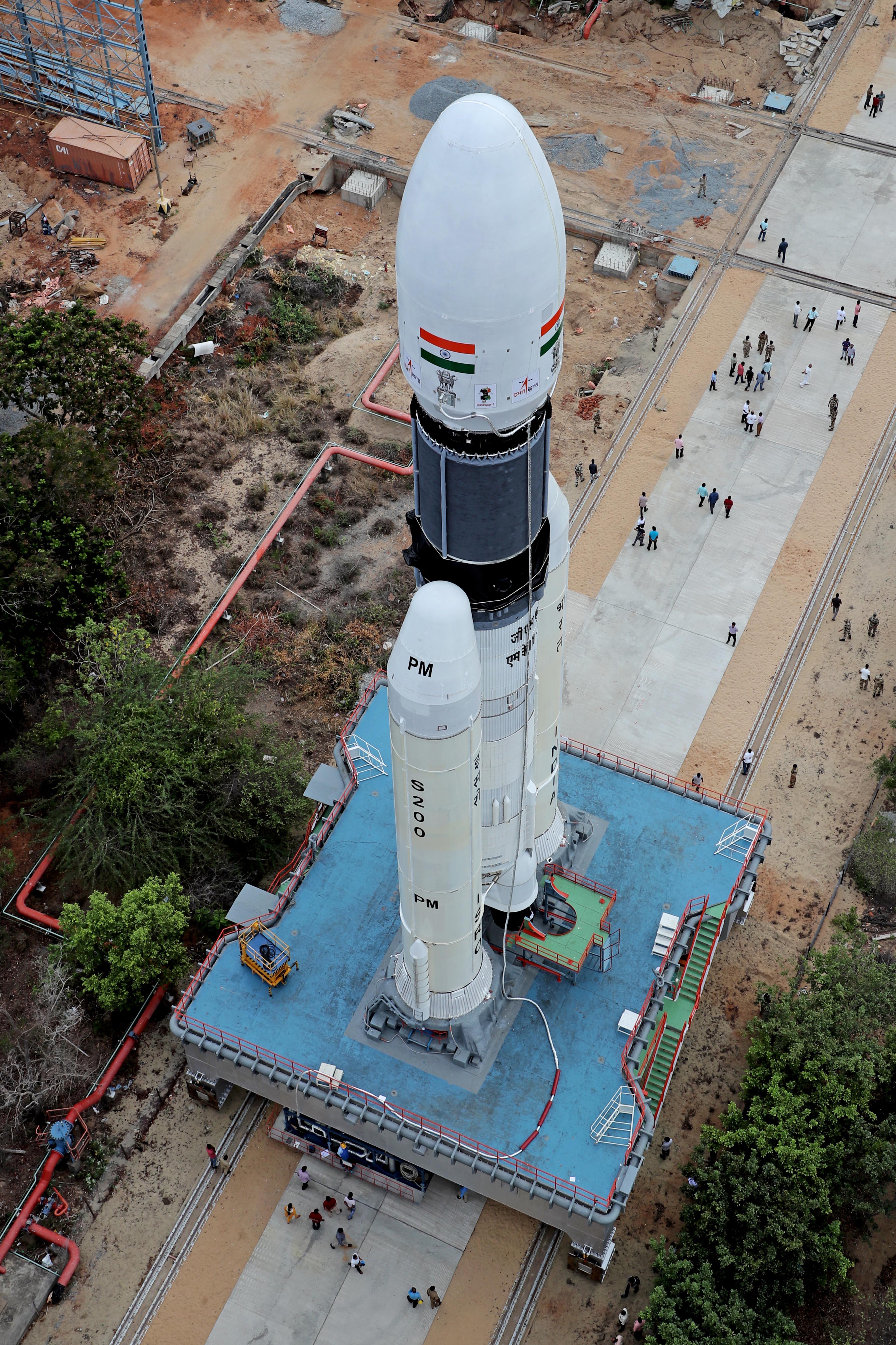 인도의 차세대 발사체 GSLV 마크3에 실린 찬드라얀 2호가 발사를 앞두고 있다. 인도우주연구기구 제공