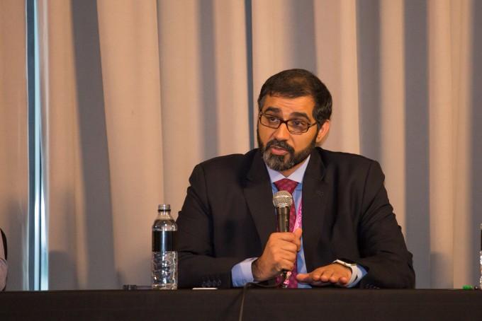 나사르 알 하마디 아랍에미리트(UAE) 우주청 국제협력담당관이 18일 서울 여의도 콘래드호텔에서 열린 코리아스페이스포럼 기자간담회에서 발언하고 있다. 코리아스페이스포럼/AZA