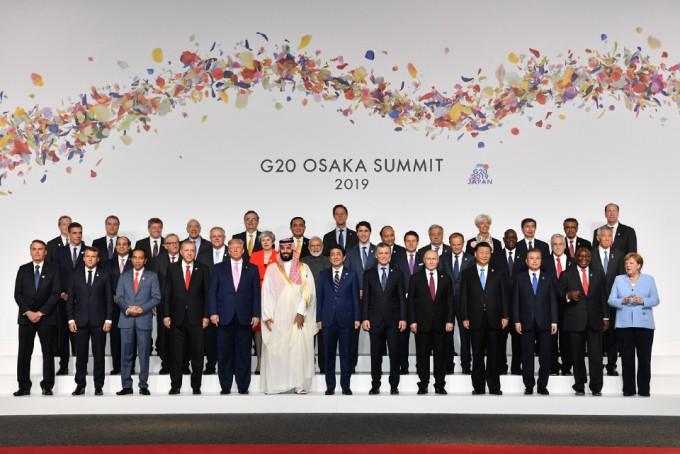 지난달 28일과 29일 일본 오사카에서 열린 주요 20개국(G20) 정상회의에서는 플라스틱 쓰레기와 AI 원칙에 관한 공동성명이 채택됐다. 기후변화에 관한 공동 합의는 담기지 못했다. G20 정상회의 제공