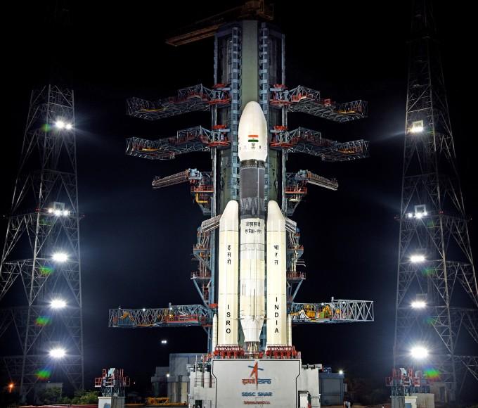 인도의 달 탐사선 찬드라얀2가 인도시간으로 22일 오후 2시 43분 인도 동부 사티쉬 다완 우주센터에서 인도의 차세대 위성 발사체 '정지궤도우주발사체(GSLV) 마크3'에 실려발사된다. 인도우주연구기구 제공