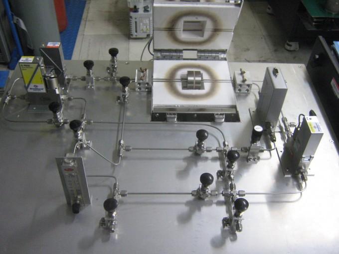 연구팀이 개발한 수소 분리막 투과도 측정장치이다. 정부가 차세대 에너지원으로 꼽은 수소 연료 상용화에 크게 도움이 될 것으로 예상된다. KIST 제공