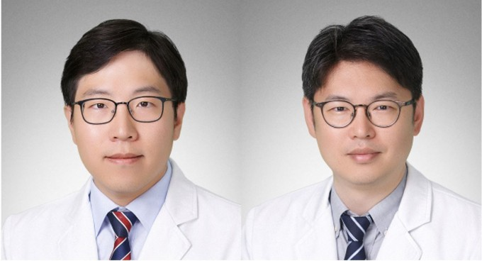 김찬(왼쪽)∙전홍재(오른쪽) 차의과대 종양내과 교수 연구팀은 스팅이 면역증강 효과 이외에도 암 내부의 비정상적인 혈관을 차단하는 효과가 있음을 규명했다. 과학기술정보통신부 제공