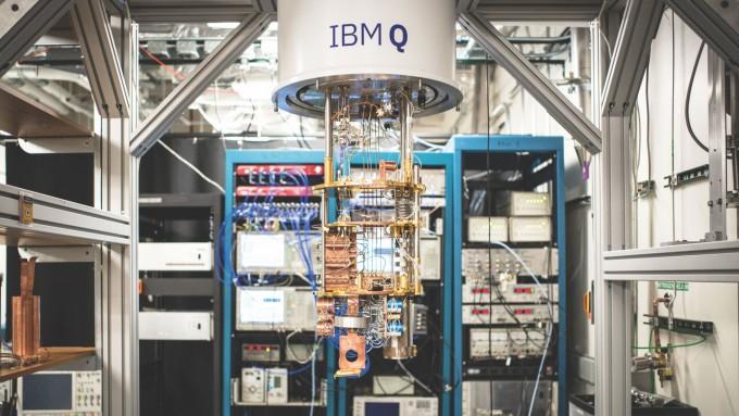 IBM이 초전도 회로를 사용해 구현한 양자컴퓨터. IBM 리서치 제공