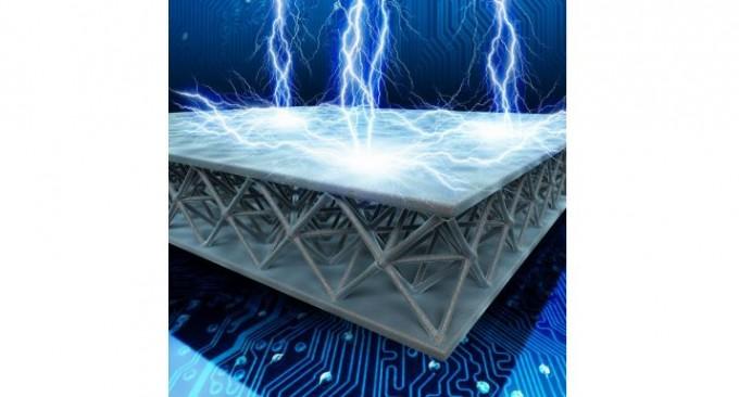 광주과학기술원(GIST)은 김봉중 신소재공학부 교수와 줄리아 그리어 미국 캘리포니아공대 재료과학과 교수 공동연구팀이 유전율을 공기 수준으로 낮춘 커패시터를 개발했다고 23일 밝혔다. GIST 제공