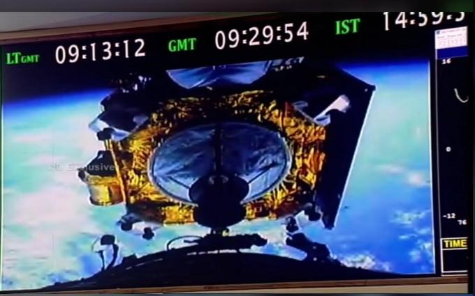 인도우주연구기구(ISRO)는 발사 15분 후 트위터를 통해 찬드라얀 2호가 성공적으로 지구 궤도에 안착했다고 알렸다. ISRO 트위터