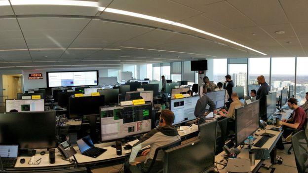 원웹은 2015년 6월 소형위성 설계를 위한 협정을 맺고, 내년 위성을 발사해 세계 무선네트워크를 묶겠다는 계획을 밝혔다. -원웹 제공
