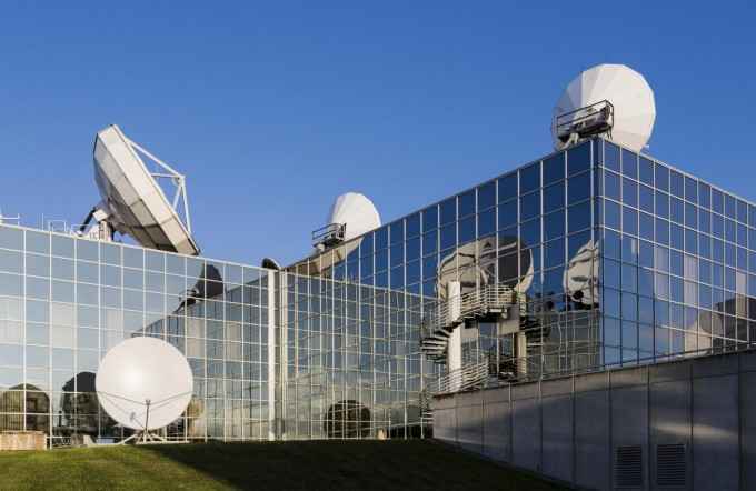 룩셈부르크는 세계적 위성 운영회사, 철강회사, 유럽투자은행 등이 자리잡아 신산업인 우주산업과 투자를 병행할 수 있는 조건을 갖추고 있다. SES 제공
