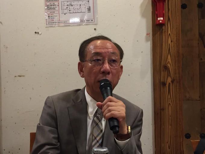 김명준 한국전자통신연구원(ETRI) 원장이 24일 서울 중구에서 가진 기자간담회에서 ETRI를 국가지능화종합연구기관으로 탈바꿈시킬 계획을 발표하고 있다. 윤신영 기자