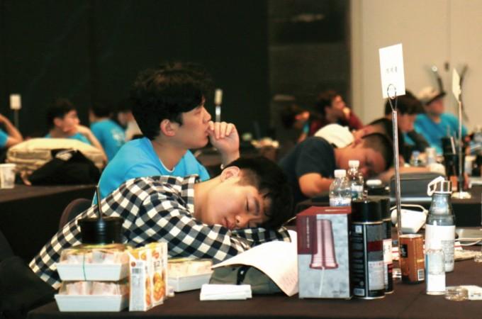 해커톤이 끝난 27일 오전, 참가자들의 얼굴에서 지난밤의 노곤함이 느껴진다. 이다솔 기자 dasol@donga.com