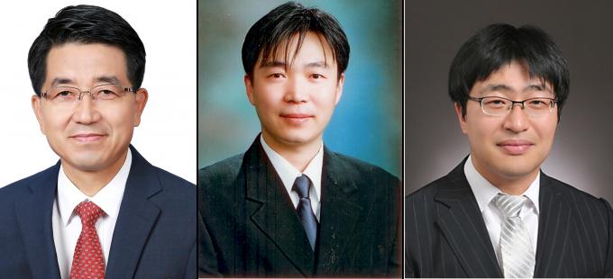 현택환 기초과학연구원(IBS) 나노입자 연구단장(왼쪽)과 권승해 한국기초과학지원연구원 책임연구원(가운데), 이노현 국민대 신소재공학부 교수 공동연구팀은 면역세포에 약물을 붙여 암의 중심부까지 약물을 전달하는 기술을 개발했다고 밝혔다. IBS 제공