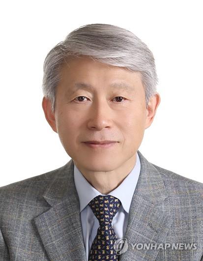 최기영 과학기술정보통신부 장관.
