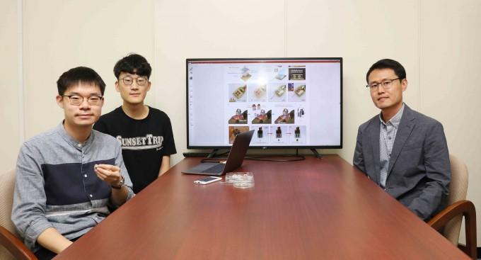 정재웅(오른쪽) KAIST전기및전자공학부 교수 연구팀은 마이클 브루카스 미국 워싱턴대 마취학과 교수 연구팀과 함께 스마트폰으로 뇌 신경회로를 무선 제어하는 기술을 개발했다. 김충연(왼쪽)∙변상혁(가운데) 박사과정생도 함께 연구에 참여했다. KAIST 제공