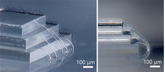 신축성 있는 3차원 표면 위에 형성된 유연성 금속 복합체. 단차가 있는 칩 형태에 프린팅된 유연성 금속 복합체의 3차원 구조. 기존의 3차원 배선 기술로 형성할 수 없는 유연하고 신축성 있는 기판의 표면에 고해상도로 유연성 전극을 형성했다. IBS 제공.