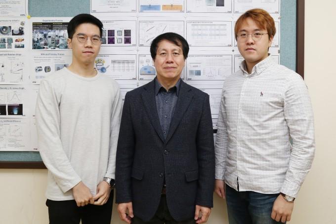 이번 연구에 참여한 박주영 박사와 최원호 교수, 박상후 박사(왼쪽부터). KAIST 제공.