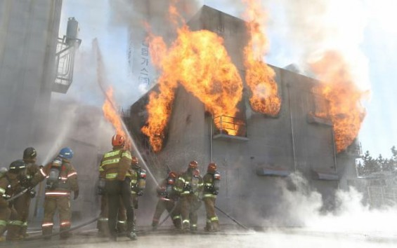 '지진 나서 초고층건물에 불 나면 어디로 대피해야 할까' 복합 재난대응 기술 16종 선보인다