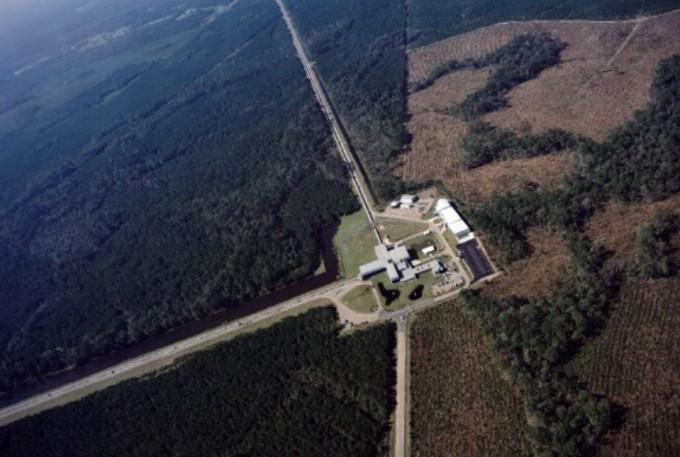 미국 루이지애나주 리빙스턴에 위치한 고급레이저간섭계중력파관측소(LIGO) 시설. LIGO 연구그룹 제공