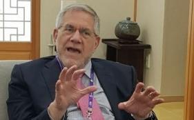 23일 대구 북구 엑스코에서 만난 스티븐 하이먼 미국 브로드연구소 스탠리정신연구센터장은 학교에서 공부에 집중하지 못하는 아이들의 조현병 발병을 의심해봐야 한다고 조언했다. 한국뇌연구원 제공