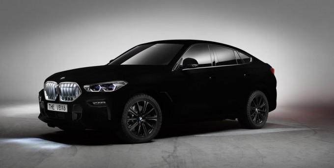 독일 자동차회사 BMW는 2019 프랑크푸르트 모터쇼에서 제품화된 가장 검은색 물질인 밴타블랙으로 칠한 X6 2020년 모델(VMX6)을 공개했다. 다만 VBX6를 출시할 계획은 없다고 한다. BMW 제공