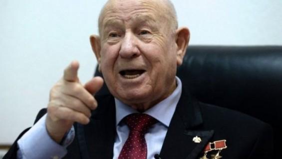 인류 첫 우주유영 구 소련 우주비행사 레오노프 별세