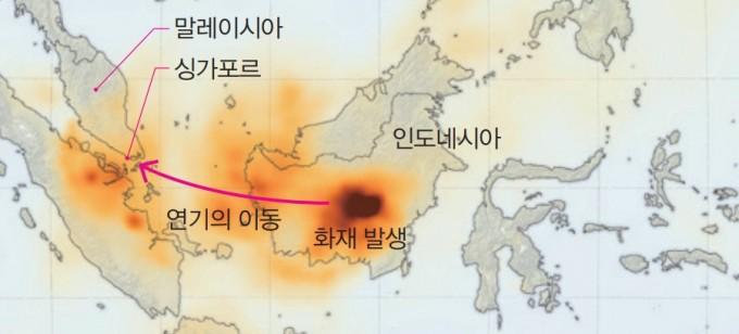 9월 17일의 인도네시아 부근 탄소 농도를 나타낸 지도. 인도네시아에서 발생한 산불의 연기가 말레이시아와 싱가포르 방향으로 번지는 것을 볼 수 있다. NASA Earth Observatory 제공