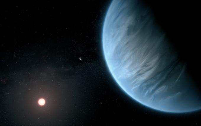 행성 K2-18b(오른쪽 푸른 행성)와 K2-18b가 공전하는 적색왜성 K2-18(왼쪽 아래 붉은 별) 의 상상도.