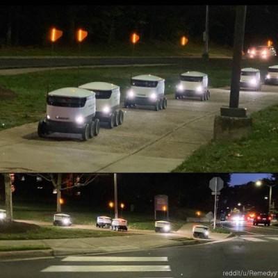 도로를 점령한 배달 로봇들