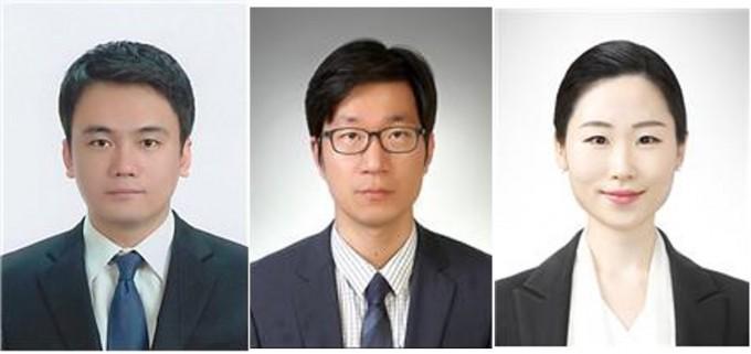 최경민 숙명여대 화공생명공학부 교수(왼쪽)과 김우열 교수(가운데), 이현신 연구원 공동연구팀은 새장 모양으로 촉매를 감싸 분자촉매의 효율을 떨어트리지 않으면서도 안정성을 높이는 기술을 찾아냈다. 한국연구재단 제공