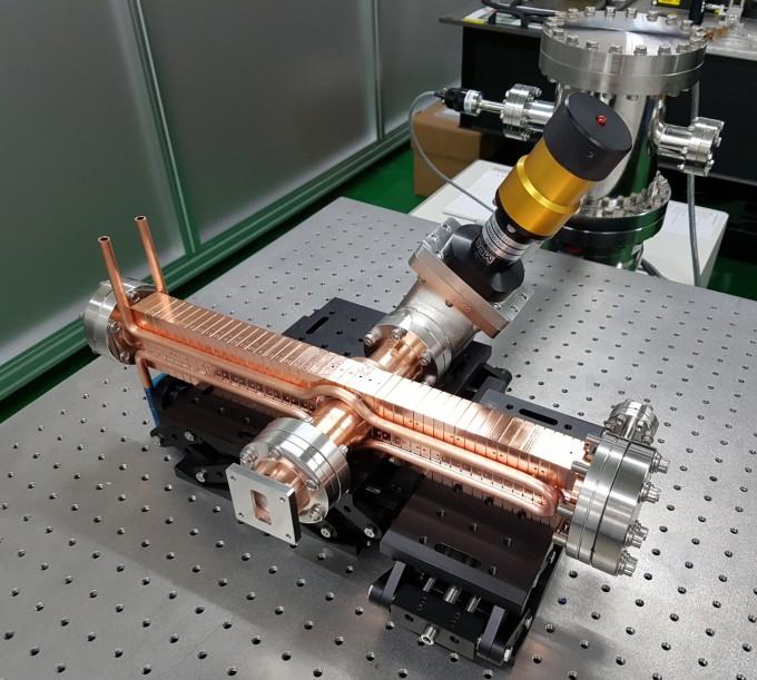 개발한 선형가속기의 모습이다. KERI 제공