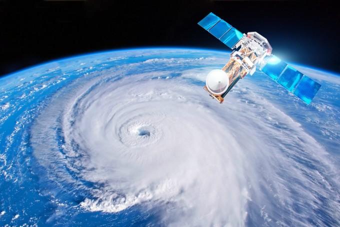 5G 신호가 위성이 대기 중 습도를 관측하는 것을 방해한다는 지적이 이어지는 가운데 이같은 간섭을 제한하는 국제 기준이 마련됐다. 게티이미지뱅크
