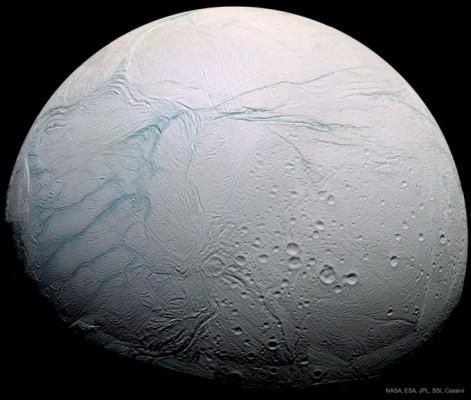 토성 위성 엔셀라두스 '줄무늬' 정체는 얼음 분출 균열