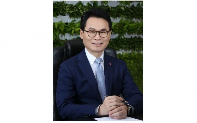 '올해의 자랑스러운 공과대 동문'으로 임병연 롯데케미칼 대표이사 부사장이 선정됐다. KAIST 제공