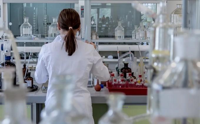 과학자가되려는이들이반드시인식해야하는건,과학자에게가장중요한것이연구비가되었다는사실이다.좋은연구는연구비가없으면불가능하다. 픽사베이 제공