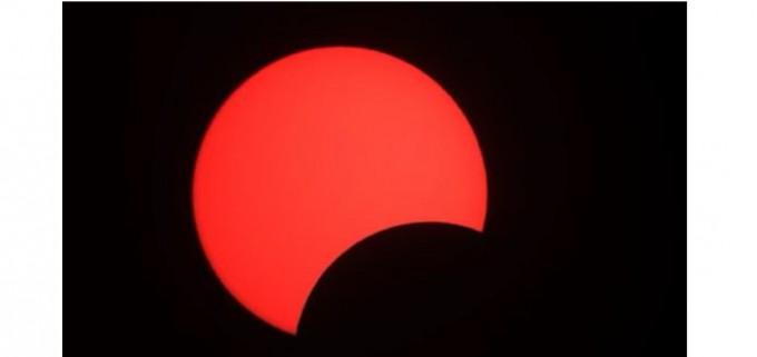 지난 1월 관측된 부분일식의 모습이다. 국립과천과학관 제공