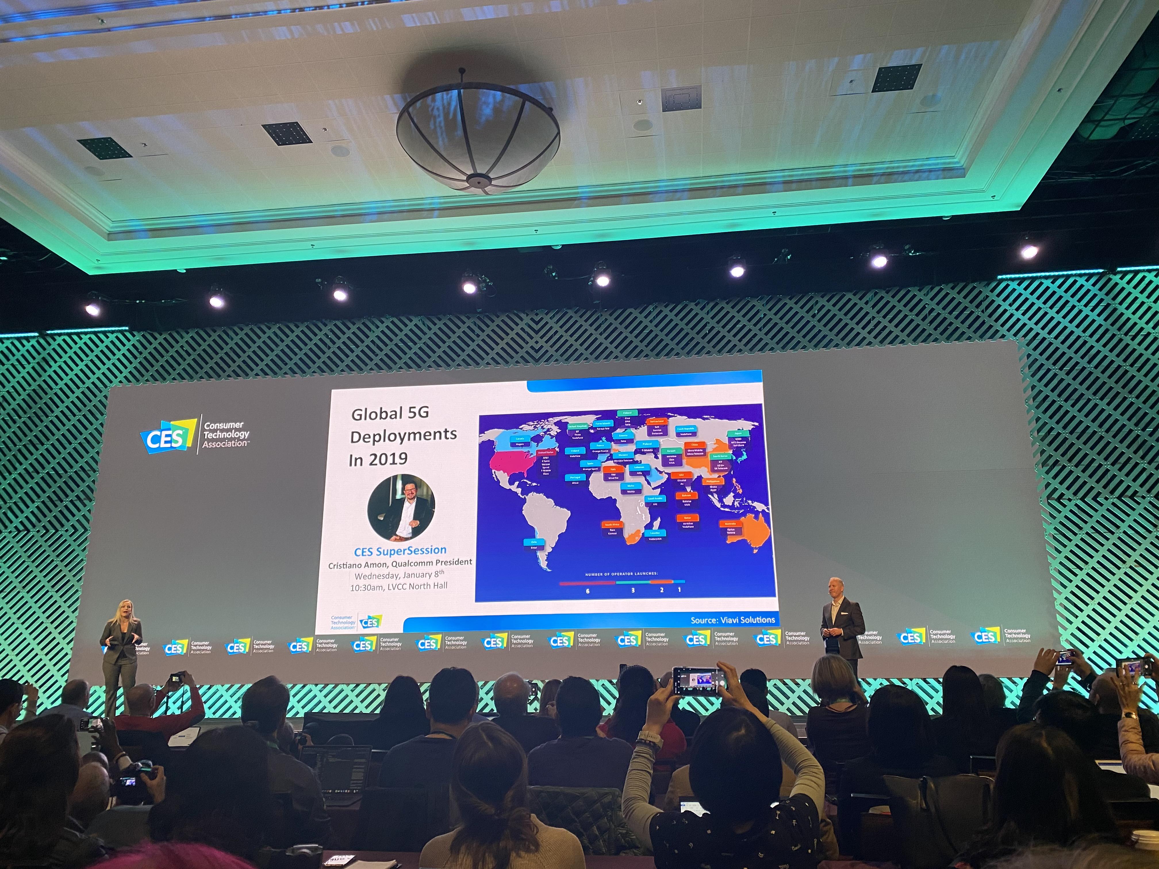 세계 최대 전자정보통신기술(ICT) 쇼인 'CES 2020' 개막을 앞두고 5일(현지시간) 미국 라스베이거스에서 열린 미디어데이 행사에서 스티브 코니그 미국 소비자기술협회(CTA) 리서치 담당 부사장이 향후 기술 전망을 발표하고 있다.
