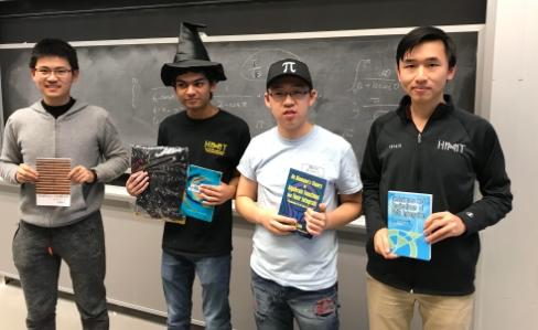 2019년에는 2018년 우승자인 수학과의 애쉬윈 사가(왼쪽에서 두번째) 다시 우승을 차지해 '위대한 적분가' 칭호를 지켜냈다. MIT EDU 제공
