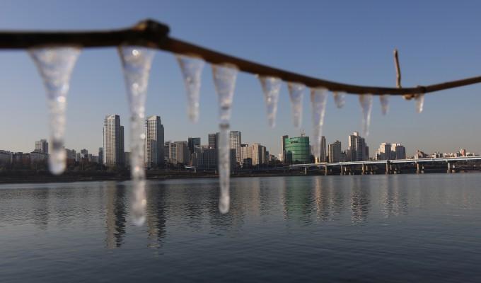 전 세계 강이 해가 갈수록 덜 얼어붙고 있다는 연구결과가 나왔다. 동아일보 DB