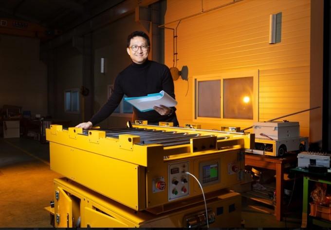 조 박사는 AGV 구동계 구조 및 타이어 소재 개선을 통해 정지정도를 향상시켰다. 동아사이언스DB