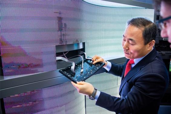 모든 교통정보 LED로 전달 '싸인텔레콤'···'산업융합선도기업'으로 날개 달았다