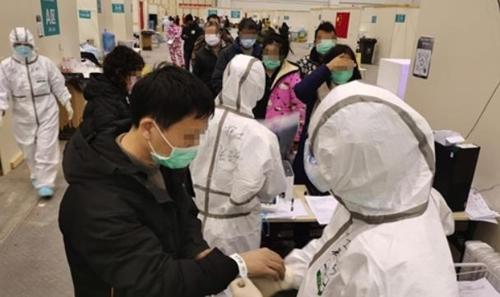 중국서 코로나19로 사망 1천700명·확진 7만명 넘어