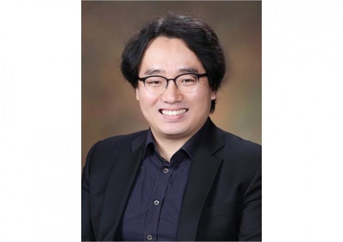 박주용 KAIST 문화기술대학원 교수 연구팀은 네트워크 과학과 빅데이터를 활용해 인간의 문화 및 예술 창작물의 혁신성과 영향력을 계산하는 알고리즘을 개발했다. KAIST 제공