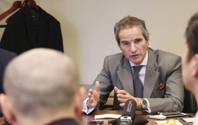 라파엘 마리아노 그로시 국제원자력기구(IAEA) 사무총장이 27일 가지야마 히로시 경산상과 회담한 뒤 열린 기자회견에서 후쿠시마 원전 방사능 오염수 처분과 관련한 견해를 밝히고 있다. 연합뉴스 제공