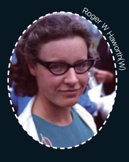 펄서를 찾을 당시의 조슬린 벨 버넬. 당시 전파천문학 연구자 중에서는 여성이 드물었다.