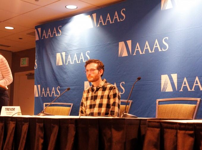 트레버 베드포드 미국 프레드허친슨 암연구센터 연구원(미국 워싱턴대 역학과 교수)은 14일(현지시간) 미국 시애틀에서 열린 미국과학진흥협회(AAAS) 연차총회에서 코비드 19 바이러스에 대한 브리핑을 진행했다. 시애틀=고재원 기자 jawon1212@donga.com