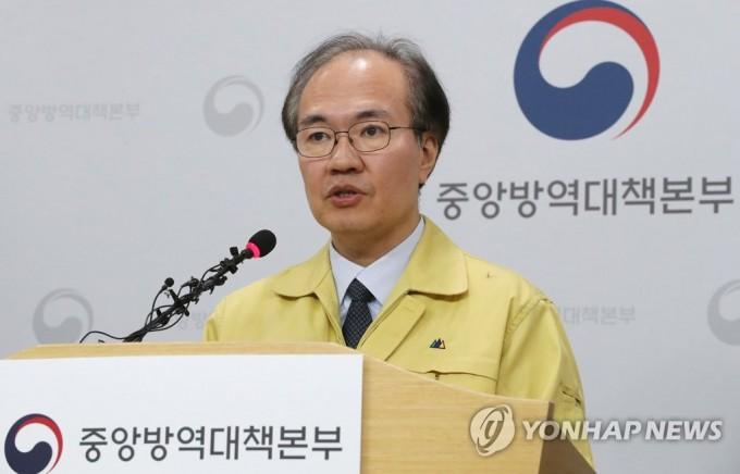 권준욱 중앙방역대책본부 부본부장이 브리핑을 진행하고 있다. 연합뉴스 제공
